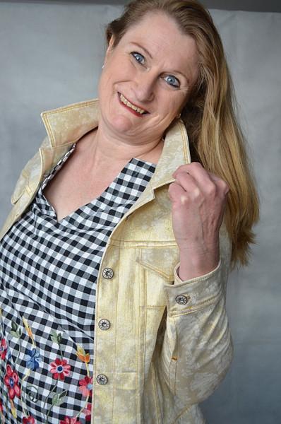 Jeansjackenschnitt Linnea mit Kappnähten als eBook von 32 - 56